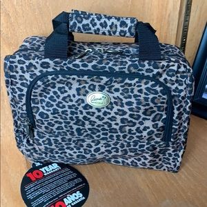 Ricardo Beverly Hills Cosmetic Bag/Hanging Kit